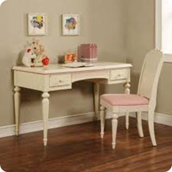 White pastel color desk