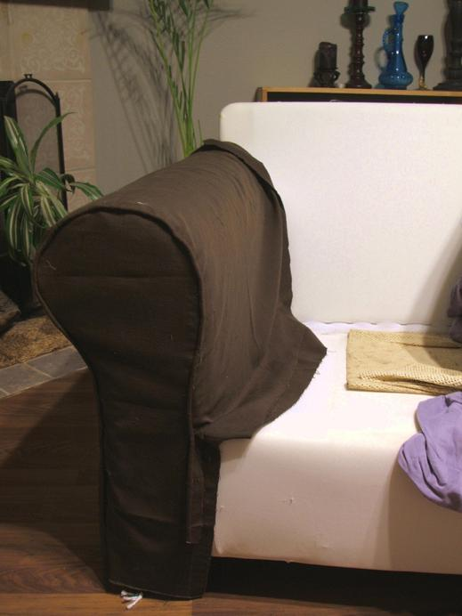 Pushing furniture slipcovering a sofa a novel in two parts - Housse d assise de canape ...