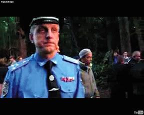 Александр Баранник, руководитель городского управления милиции, отказывается остановить людей, избивающих активистов