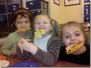 girls nite pizza_011210 26 .42.28