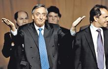 kirchner vuelve a pisar la arena del coliseo político argento