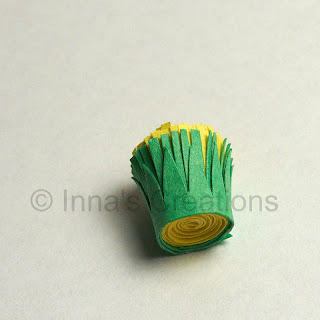 Quilled dandelion, step 2