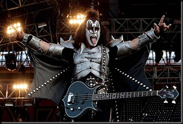 Gene-Simmons-of-Kiss--002