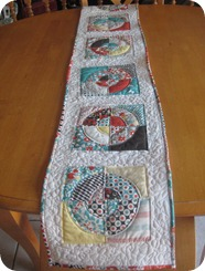 table runner 028