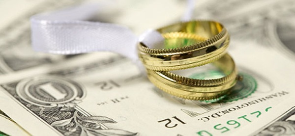 Keeping the Wedding Costs Down