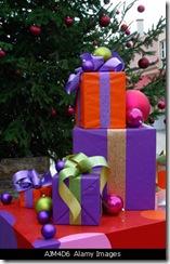 christmas-presents_AJM4D6