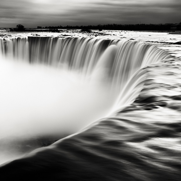 Niagara-Falls Photography in Black and White