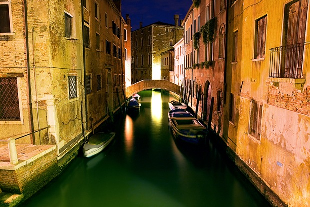 Hdr-night-and-architecture-photography-of-Venice