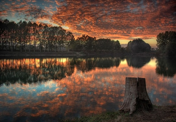Reflection Photography: Sunset on the river in autumn