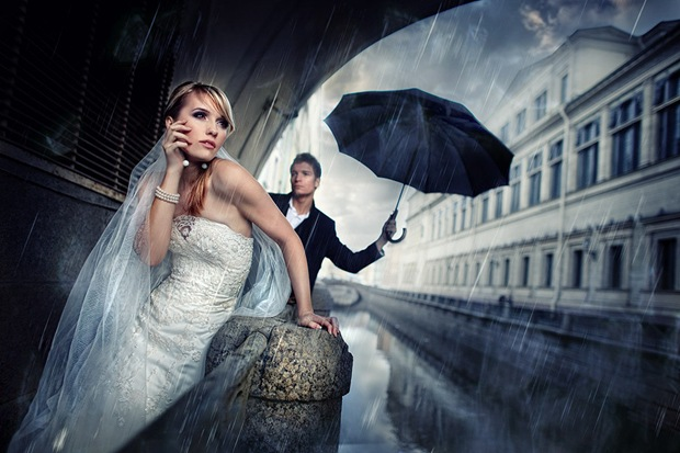 most romantic wedding photos you might have missed