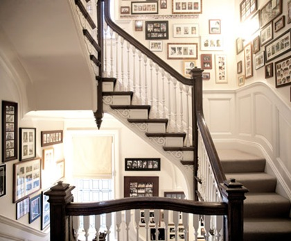 Photo-Display-Stairwell-3-0510-de