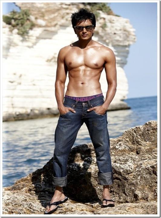 ritesh deshmukh shirtless