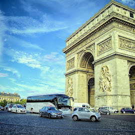 Arc de Triomphe by Darlis Herumurti - Buildings & Architecture Statues & Monuments
