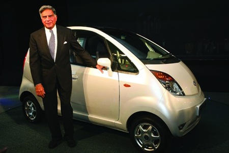 tata-nano-launch3-with-ratan