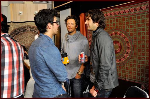 Jonas Brothers grabando WE ARE THE WORLD [Fotos!] Wearetheworld040J