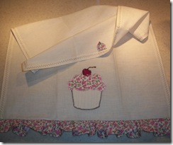 Cupcake Hand Towel Full View