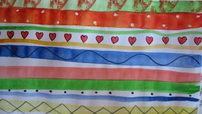 Поздравительные открытки - полосатые сердечки