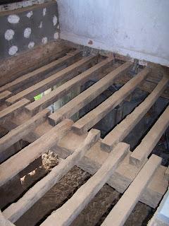 Plancher au dessus de poutres construction et auto construction les forum - Isolation plancher bois par dessus ...