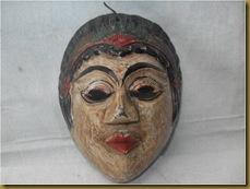 Topeng kayu kuno 1