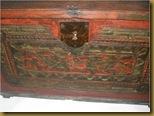 Kotak kayu ukir - lubang kunci