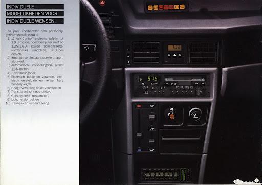 opel_kadett_sedan_1985_014.jpg