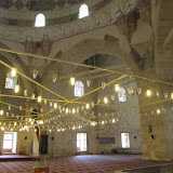 interior, qibla wall showing pier that supports central dome on right