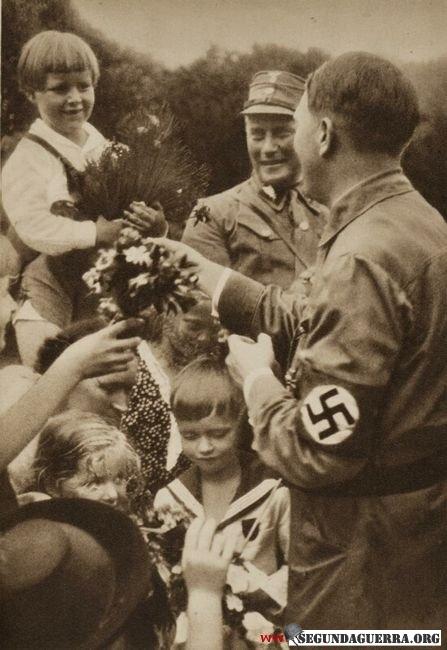 Quem é pior Lula ou Hitler ? Ahitler-14