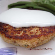 Salmon Burgers With Lemon-Sour Cream Sauce