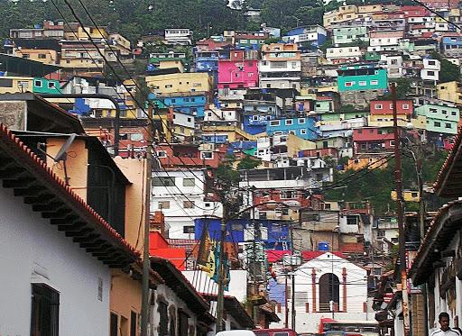 Color del barrio El Calvario en El Hatillo Caracas Venezuela)