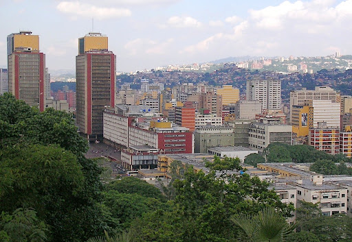 Torres de El Silencio y Caracas desde el Café Venezuela, parque Ezequiel Zamora El Calvario  Caracas