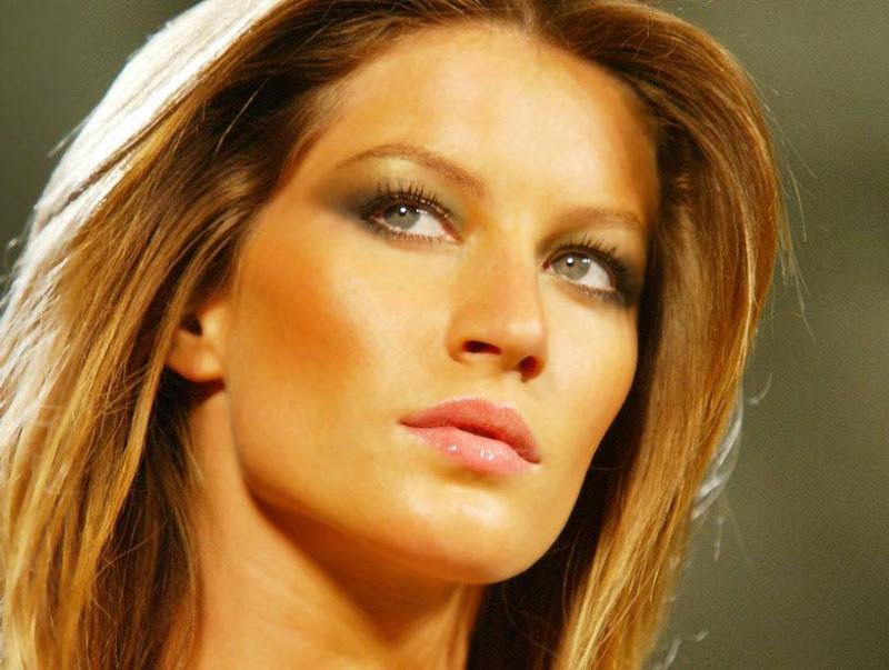 0088-Gisele-Bundchen-Hot-Celebrity-Wallpaper