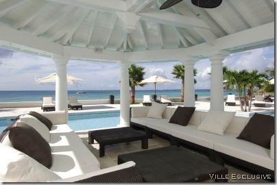 pool house ville-esclusive