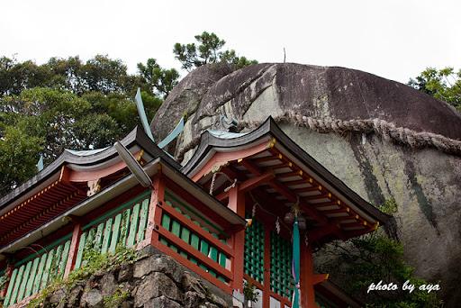 神倉神社のご神体、ゴトビキ岩