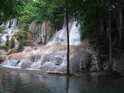 شلال في تايلاند