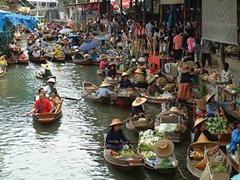 The Floating Market السوق العائم