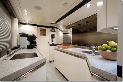 Os  interiores de luxuosos iates 21