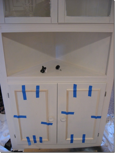 Cabinet with molding
