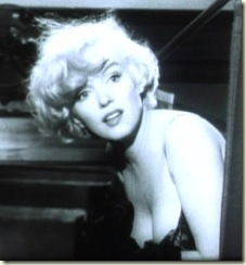 Marilyn_Monroe_in_Some_Like_it_Hot_trailer_cropped