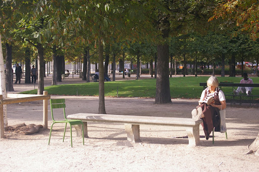 alone in the tuileries.JPG
