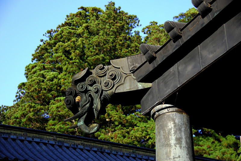 A gargoyle inside the Yomeimon Gate area