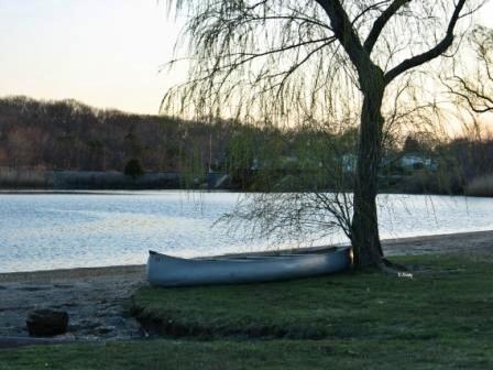 [beach house living canoe[9].jpg]
