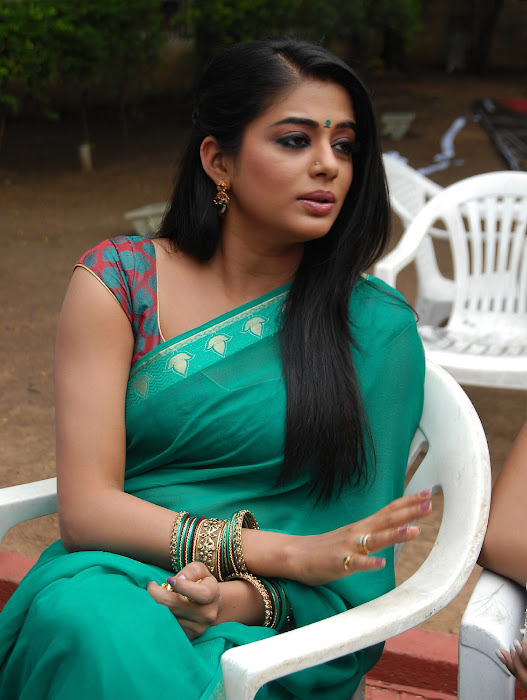 priyamani wearing green saree high quality unseen pics