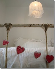 daisychainae heart newspaper garland