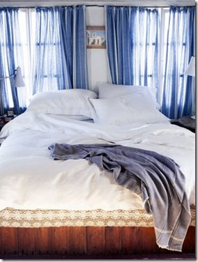 dreamhouse blog bed with blue curtains