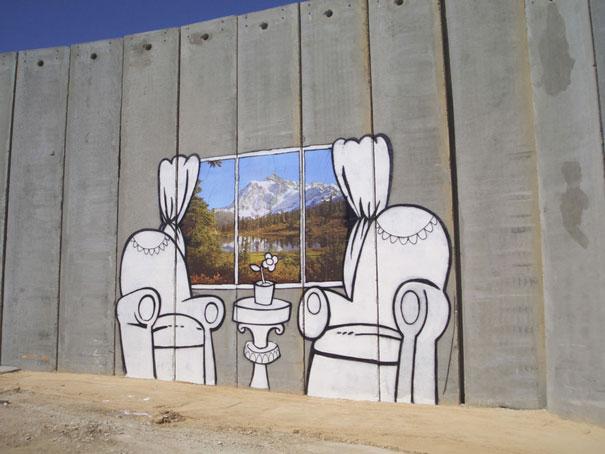 http://lh3.ggpht.com/_9F9_RUESS2E/SsTG7FYuofI/AAAAAAAABPc/eOgQIwTKsLE/s800/banksy-graffiti-street-art-palestinechairs.jpg