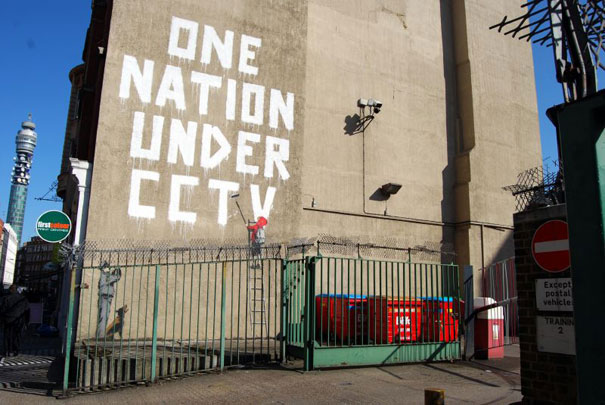 http://lh3.ggpht.com/_9F9_RUESS2E/SsUp3sAjs7I/AAAAAAAABRQ/YU8Ms-C4vaU/s800/banksy-graffiti-street-art-one-nation-under-cctv.jpg