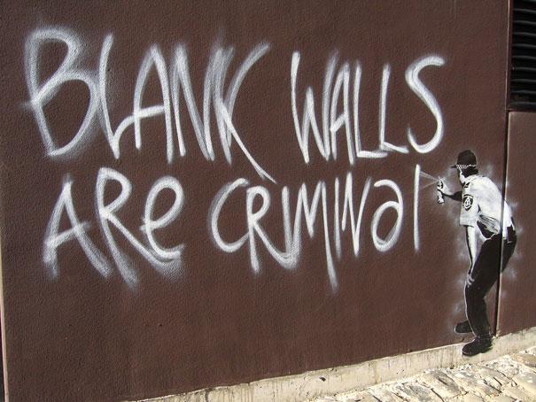 http://lh3.ggpht.com/_9F9_RUESS2E/SsXiKgpHVRI/AAAAAAAABSQ/WW2PnqS3DCQ/s800/banksy-graffiti-street-art-blank-walls-criminal.jpg