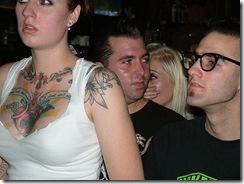 gatas tatuadas nuas peladas (1)