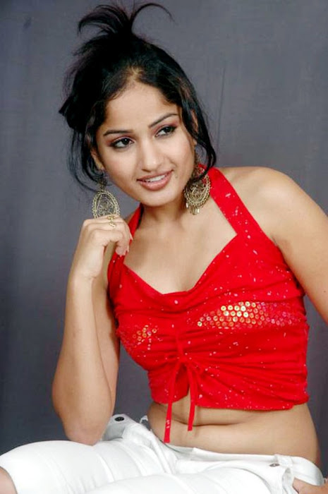 madhavi latha sizzles in redstights closeup views