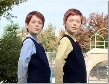 富康家庭中的雙胞胎